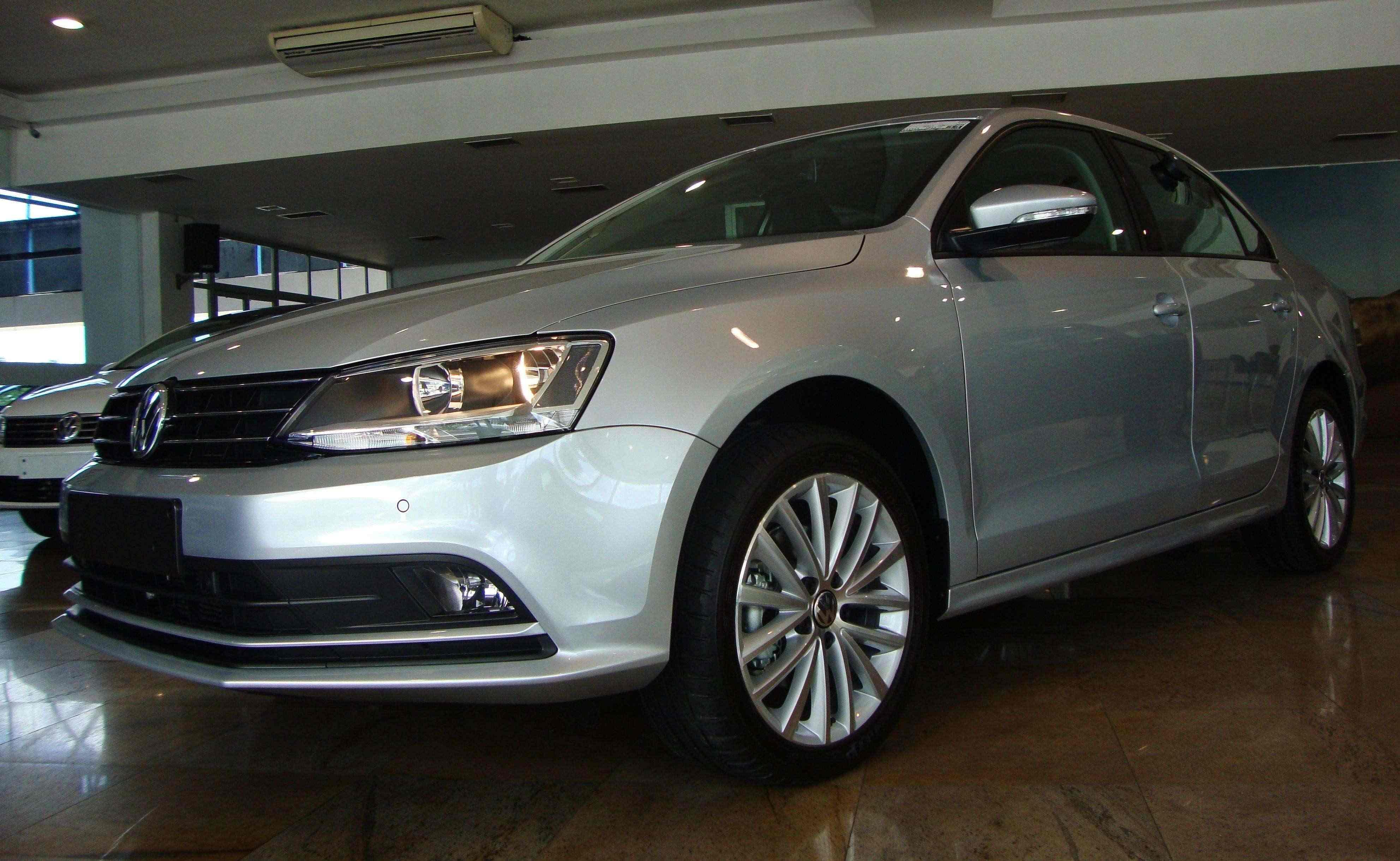 VW Jetta 2016: motor 1.4 TSI rende alta performance e reduz consumo