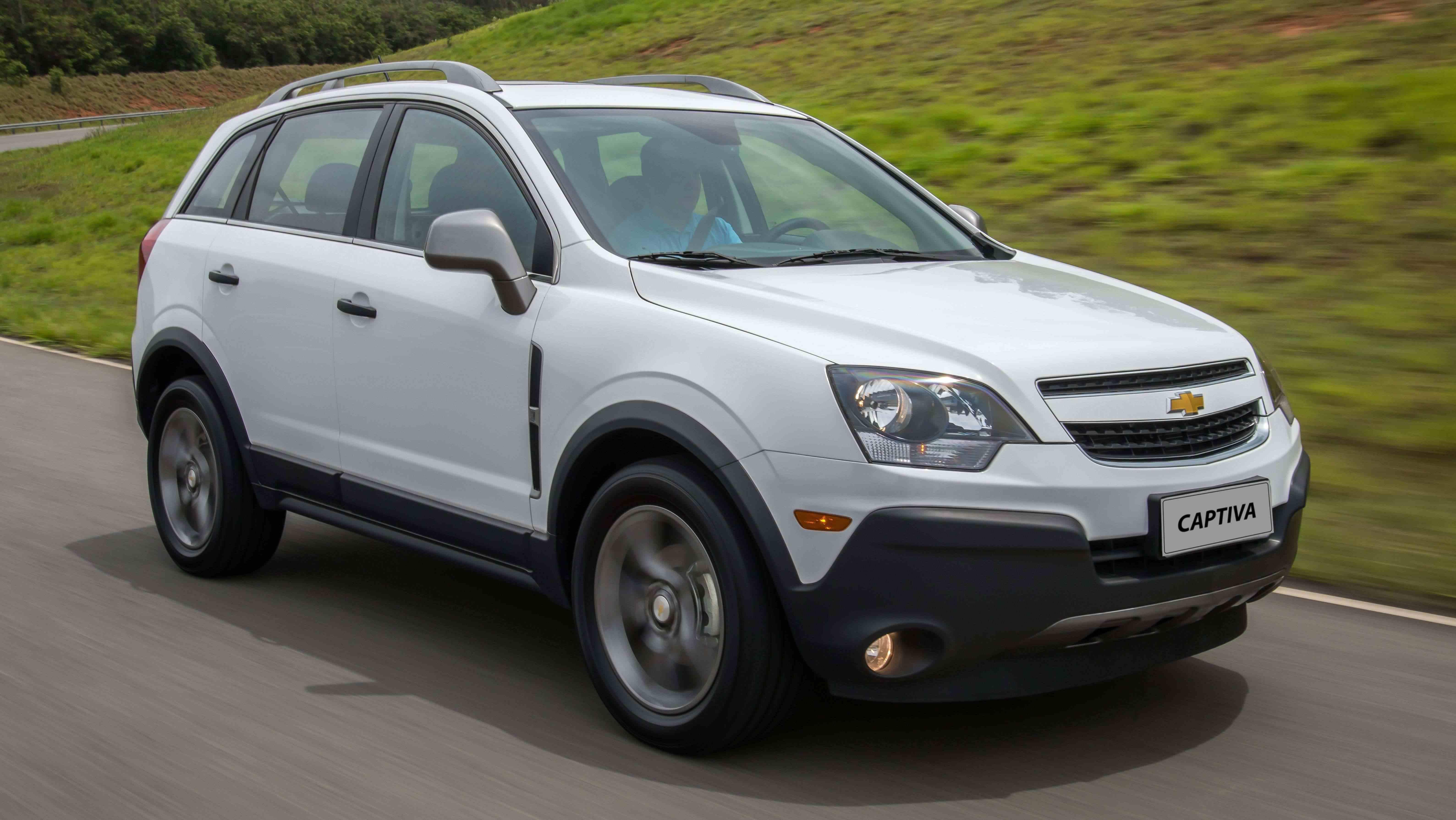 Chevrolet Captiva 2016 ganha novidades e está mais barato