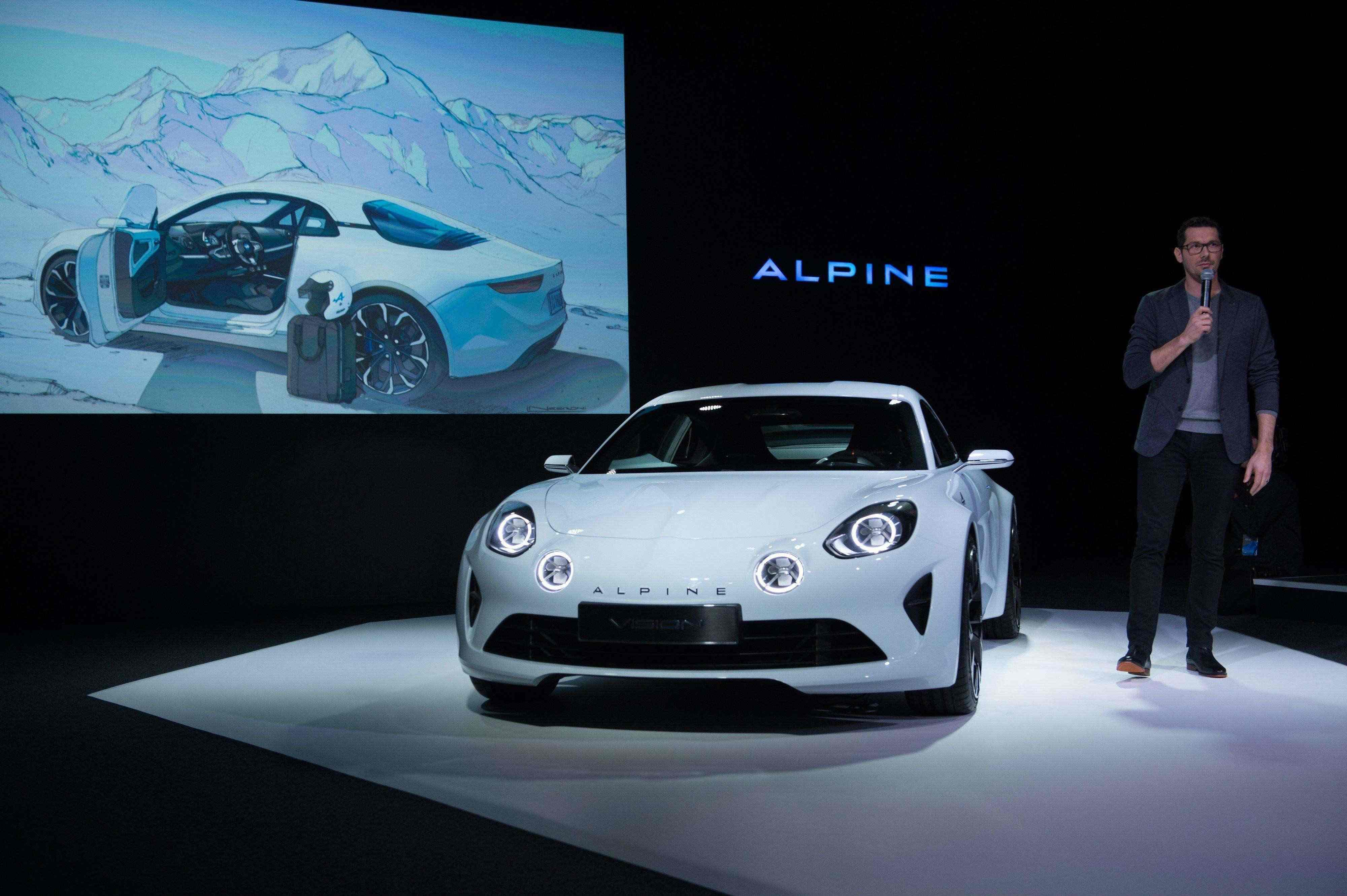 Alpine_76084_global_en