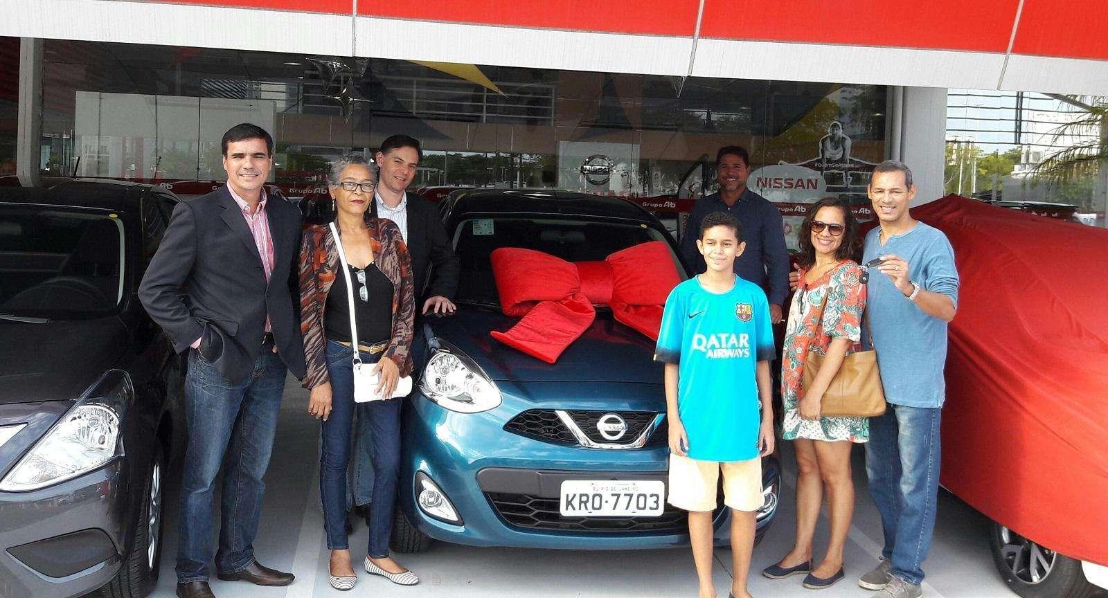 """Nissan premia cliente com March 0 km na campanha """"Férias de Ouro"""""""