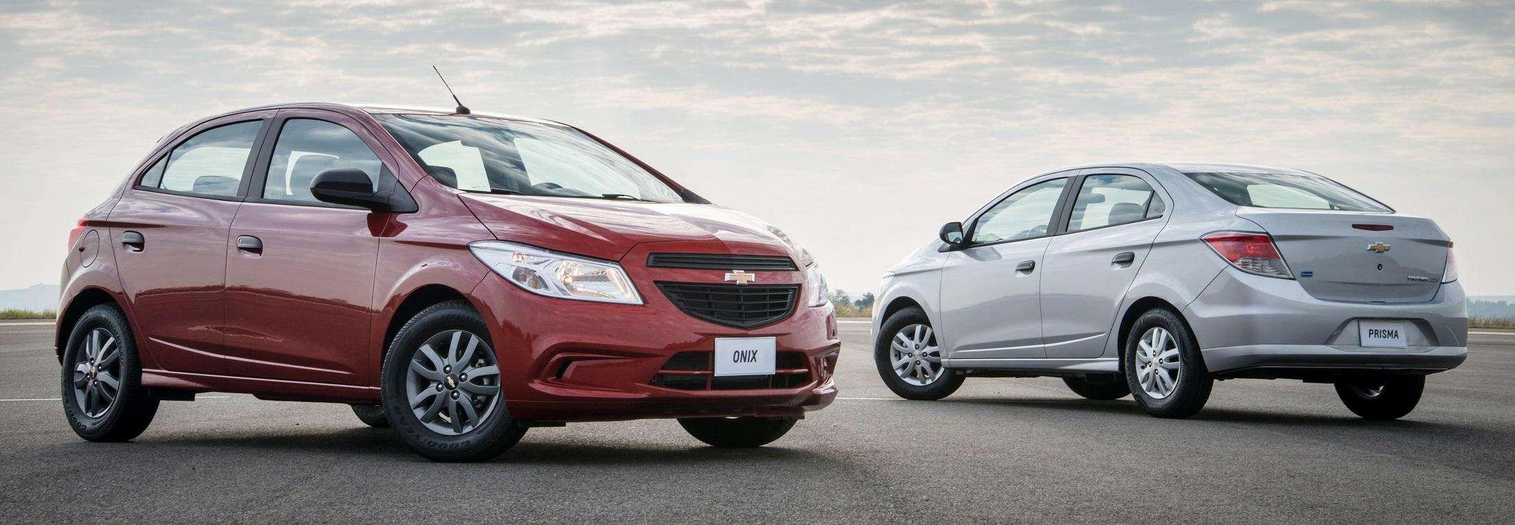 Chevrolet Onix e Prisma Joy 2017 chegam como os modelos mais econômicos da marca