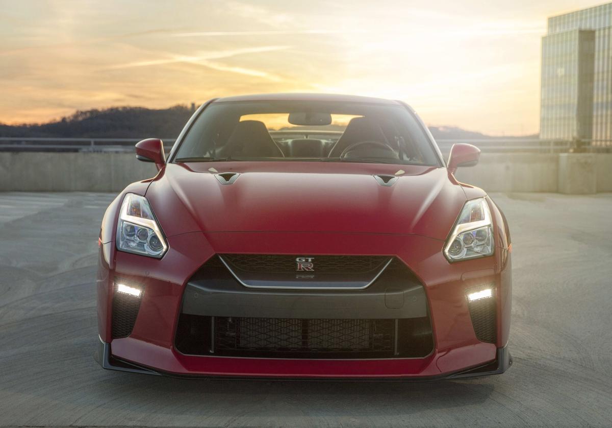 Nissan GT-R: poderoso superesportivo estreia versão Track Edition de 572 cavalos