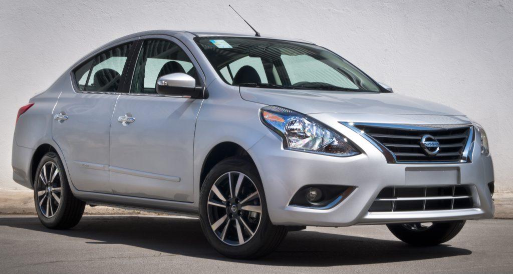 Saiba por que o Nissan Versa é uma opção inteligente para taxistas e pessoas com necessidades especiais