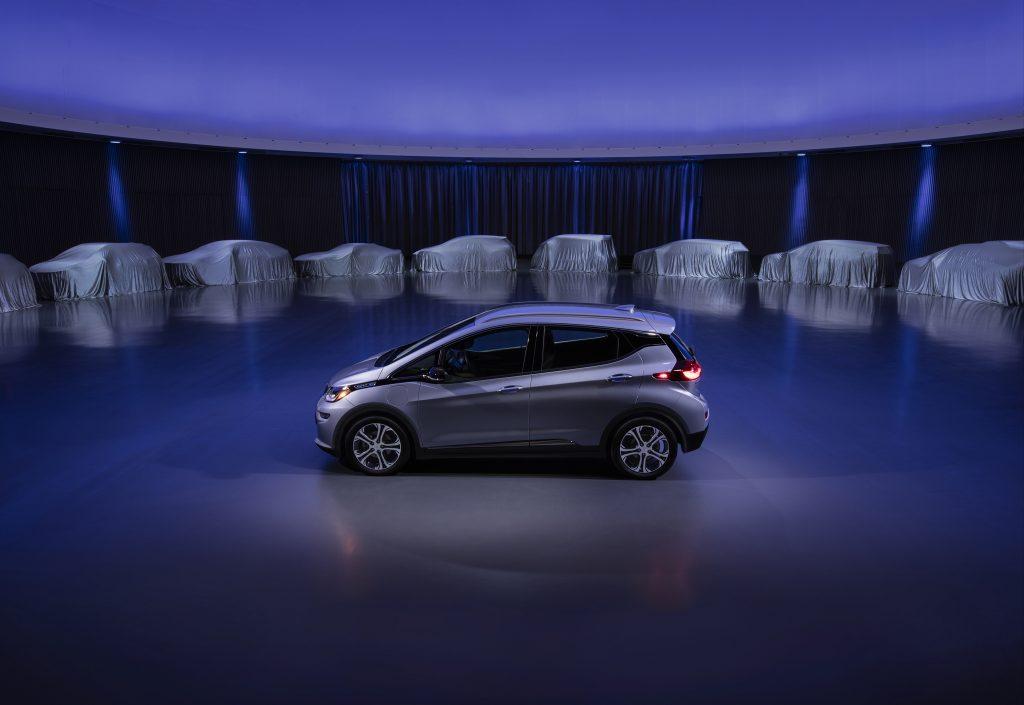 Chevrolet imagina o futuro hoje: carros elétricos sem acidentes, poluição e congestionamentos