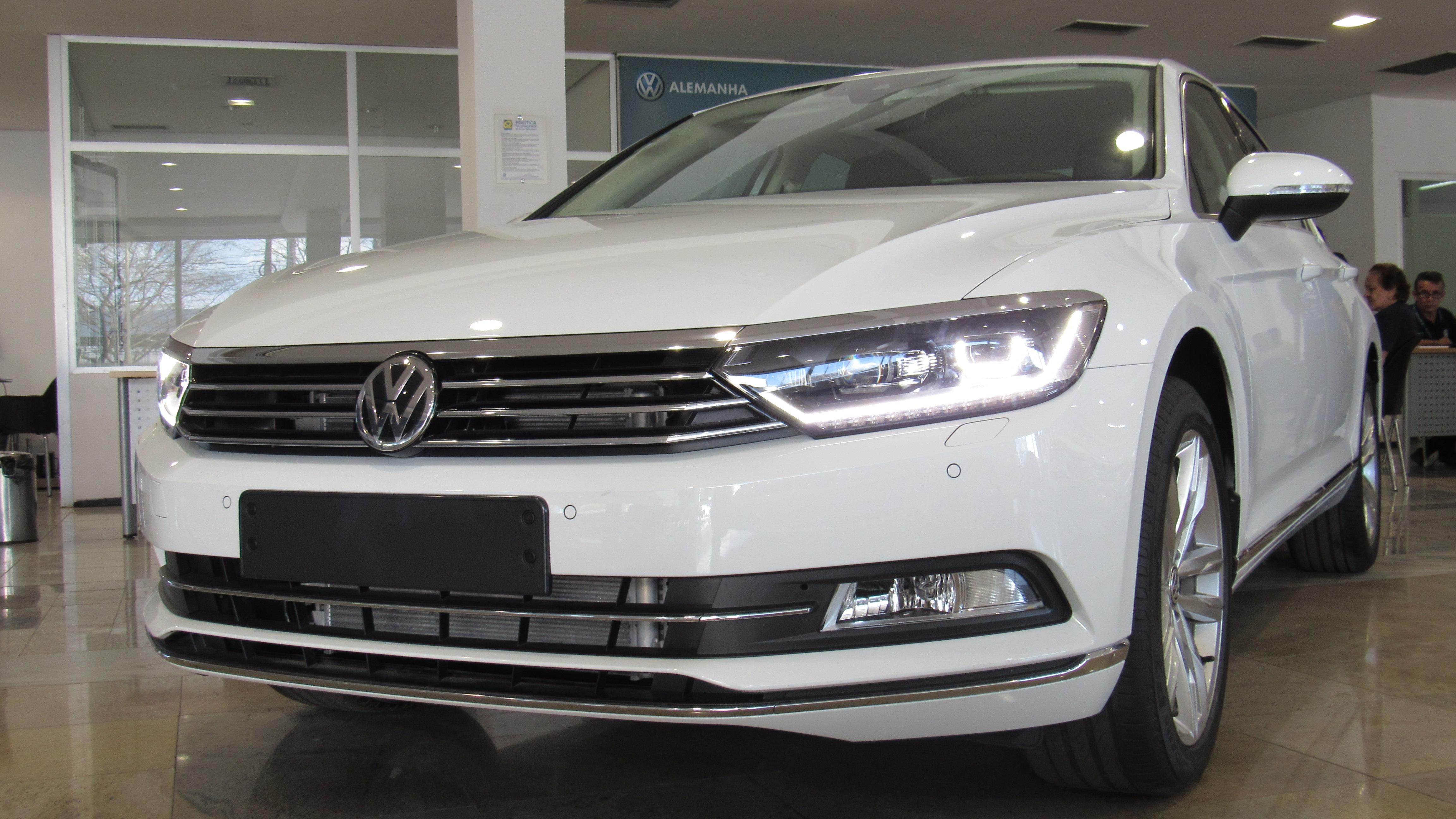 Conheça o Volkswagen Passat Highline: sedan de alto luxo concilia alta tecnologia e muita segurança