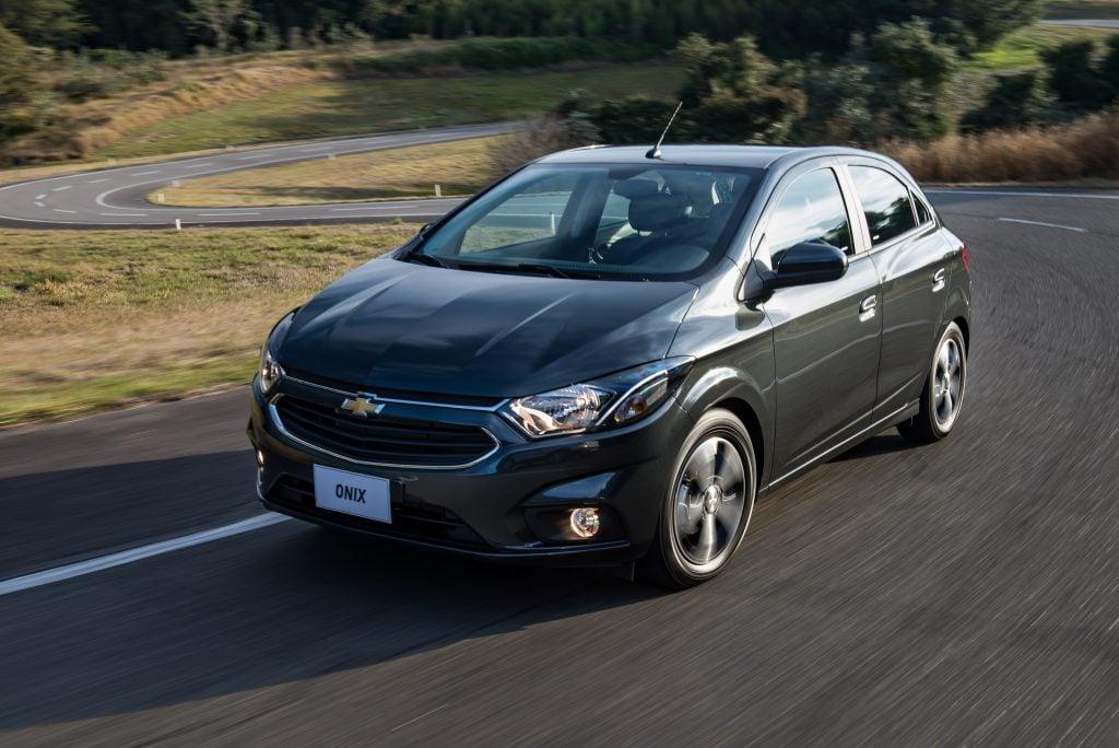 Chevrolet alcança recorde de 15 milhões de carros vendidos no Brasil; Onix é atual líder