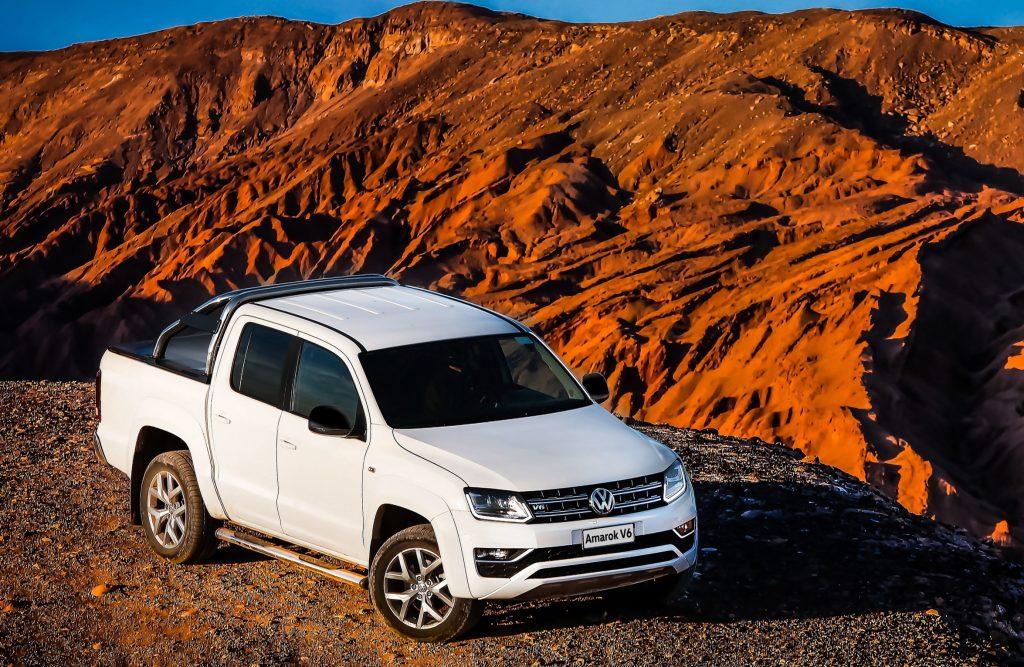 Volkswagen Amarok V6 será revelada em grande estilo nesta quinta: picape chega com 225 CV