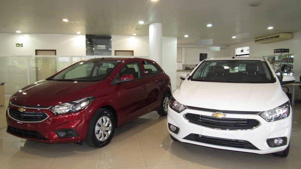 Chevrolet Onix e Prisma 2018 com segurança reforçada já estão nas concessionárias