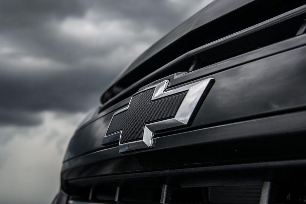 Chevrolet prepara lançamento de nova série especial Midnight para a picape S10 no Brasil