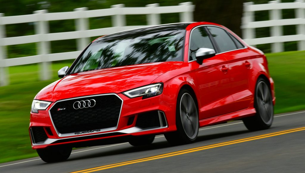 Estabilidade em curvas do Audi RS3 é favorecida com pneus de diferentes tamanhos: entenda