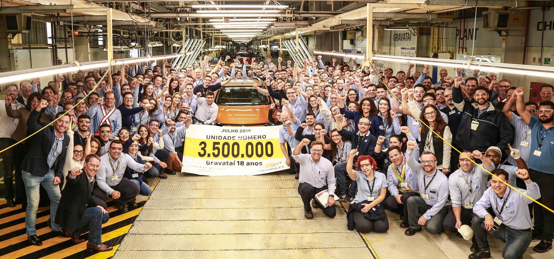 Fábrica da Chevrolet em Gravataí completa 18 anos e celebra produção do carro nº 3,5 milhões