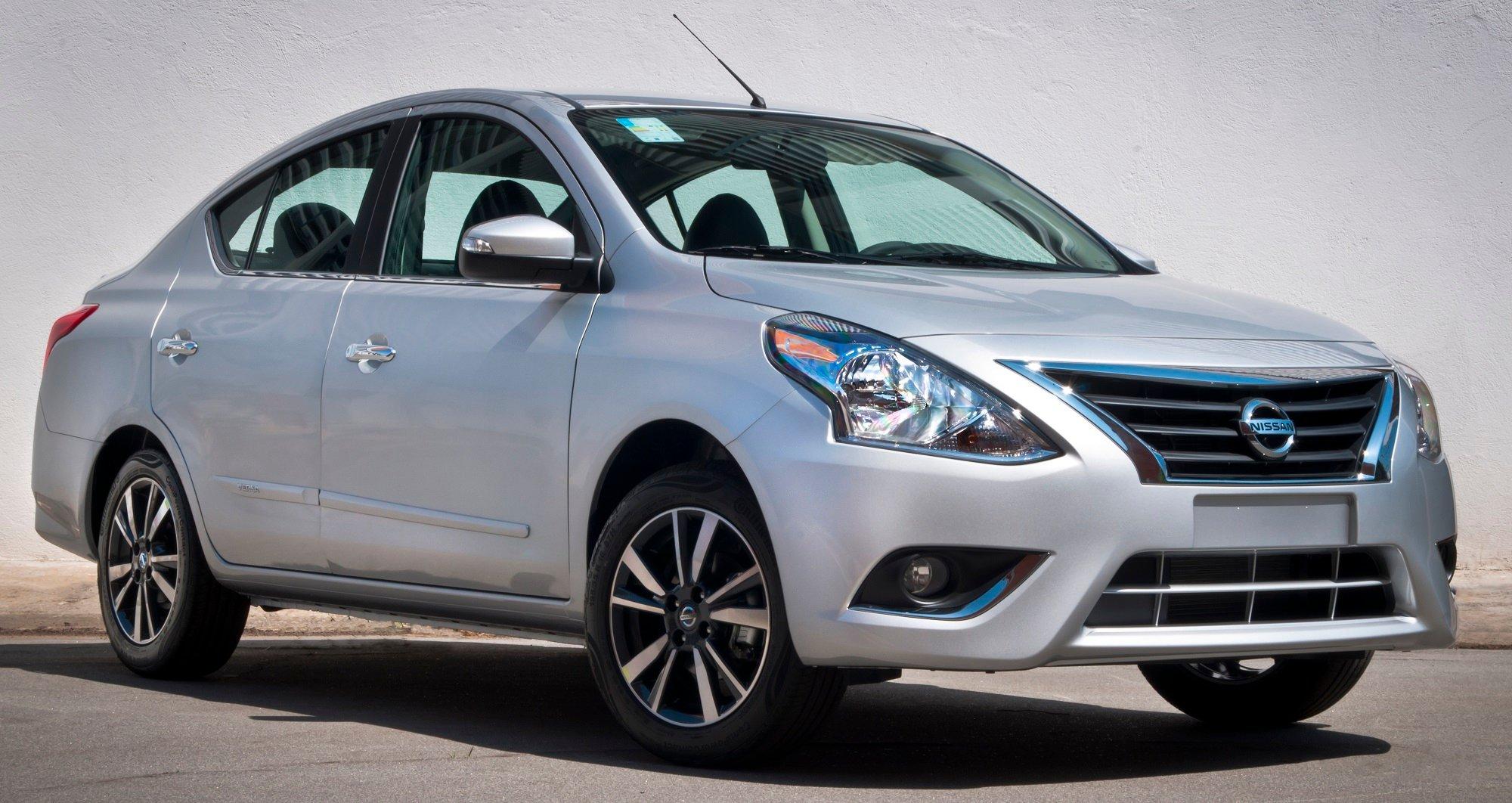 Nissan oferece bônus de R$ 2.000,00 para toda a linha do sedã Versa; aproveite!