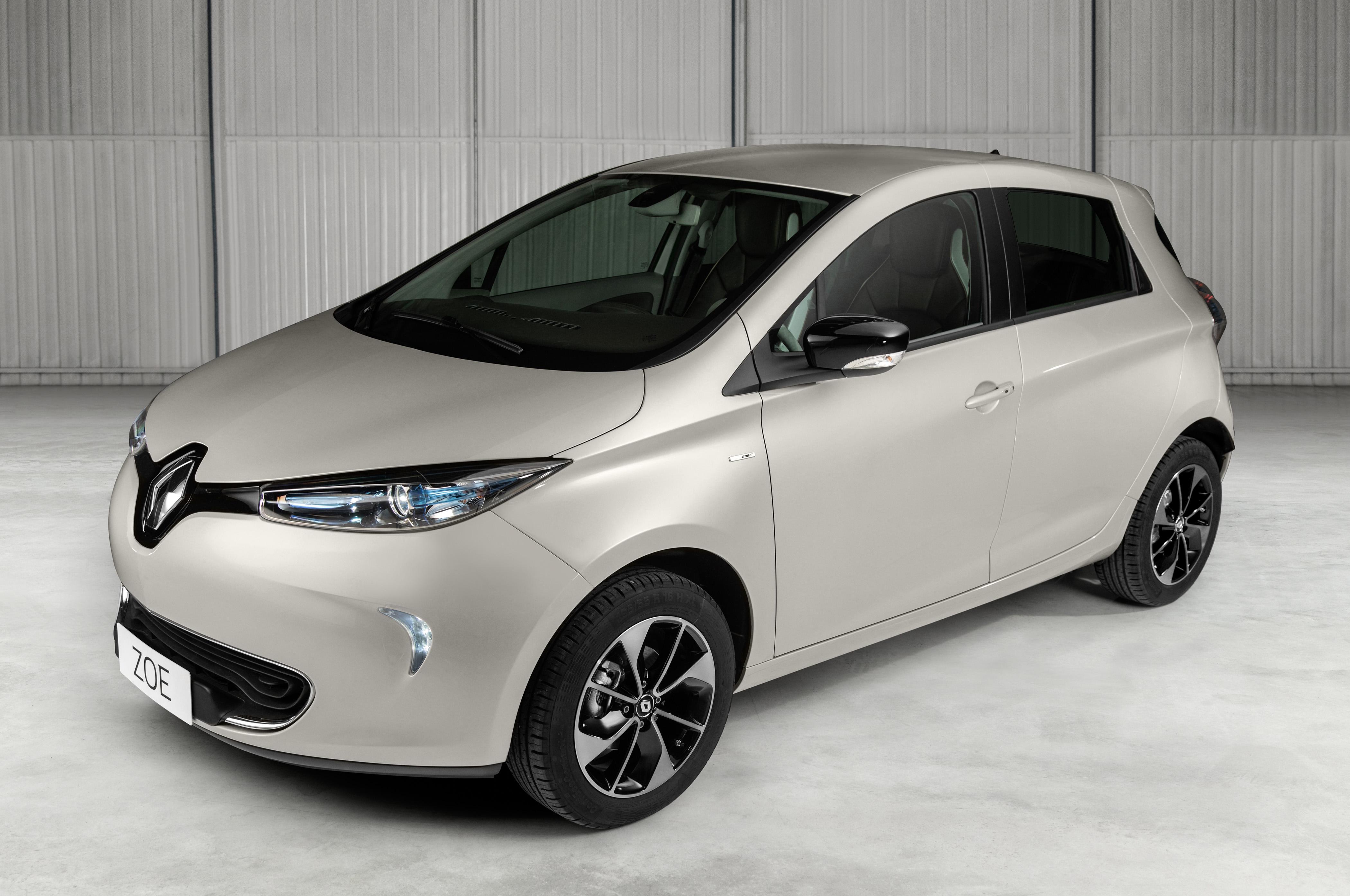 Renault inicia no Brasil a comercialização do 100% elétrico Zoe, com autonomia de mais de 300 km