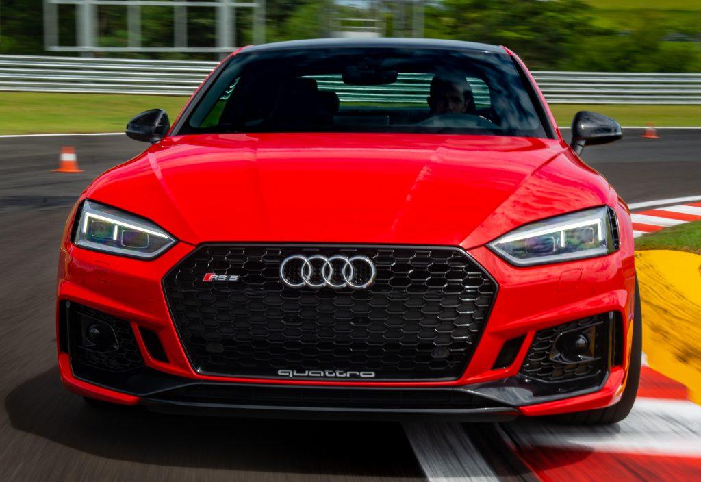 Audi RS5 Coupé: superesportivo que acelera de 0 a 100 km/h em 3,9 s já pode ser encomendado