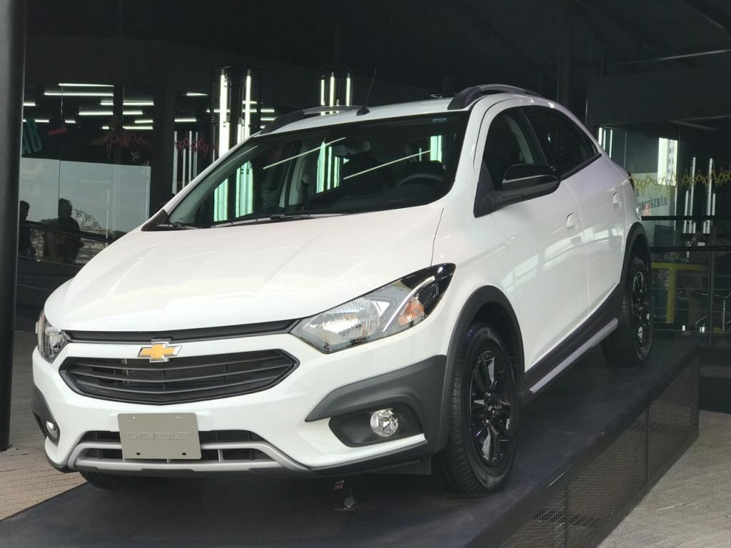 Automóveis mais vendidos do Brasil: Chevrolet Onix reafirma liderança e Renault Kwid surpreende em vendas