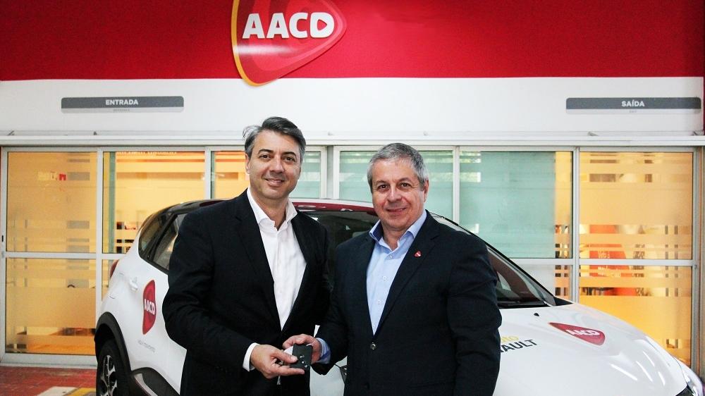 Instituto Renault realiza doação de Captur zero-quilômetro à AACD