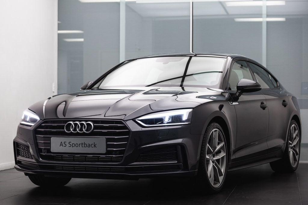Audi revela duas novidades de uma vez só: a station wagon A4 Avant e o A5 Sportback S-Line
