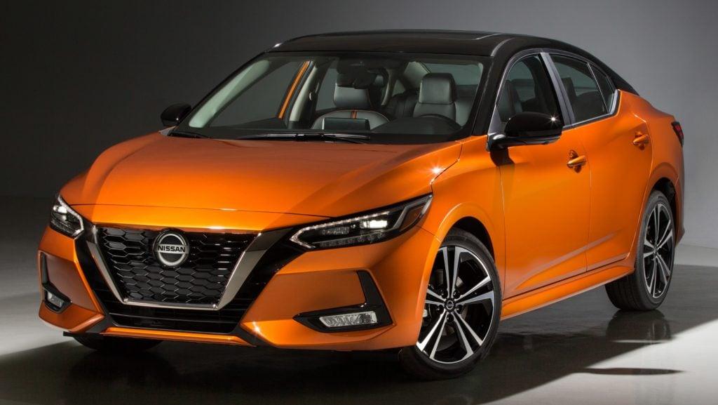Nova geração do Nissan Sentra causa sensação no Salão do Automóvel de Los Angeles