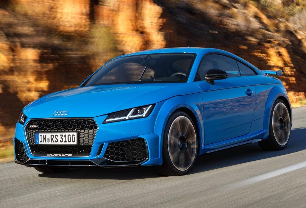 Audi inicia pré-venda dos novos esportivos TT RS, RS 4 e RS 5 no Brasil