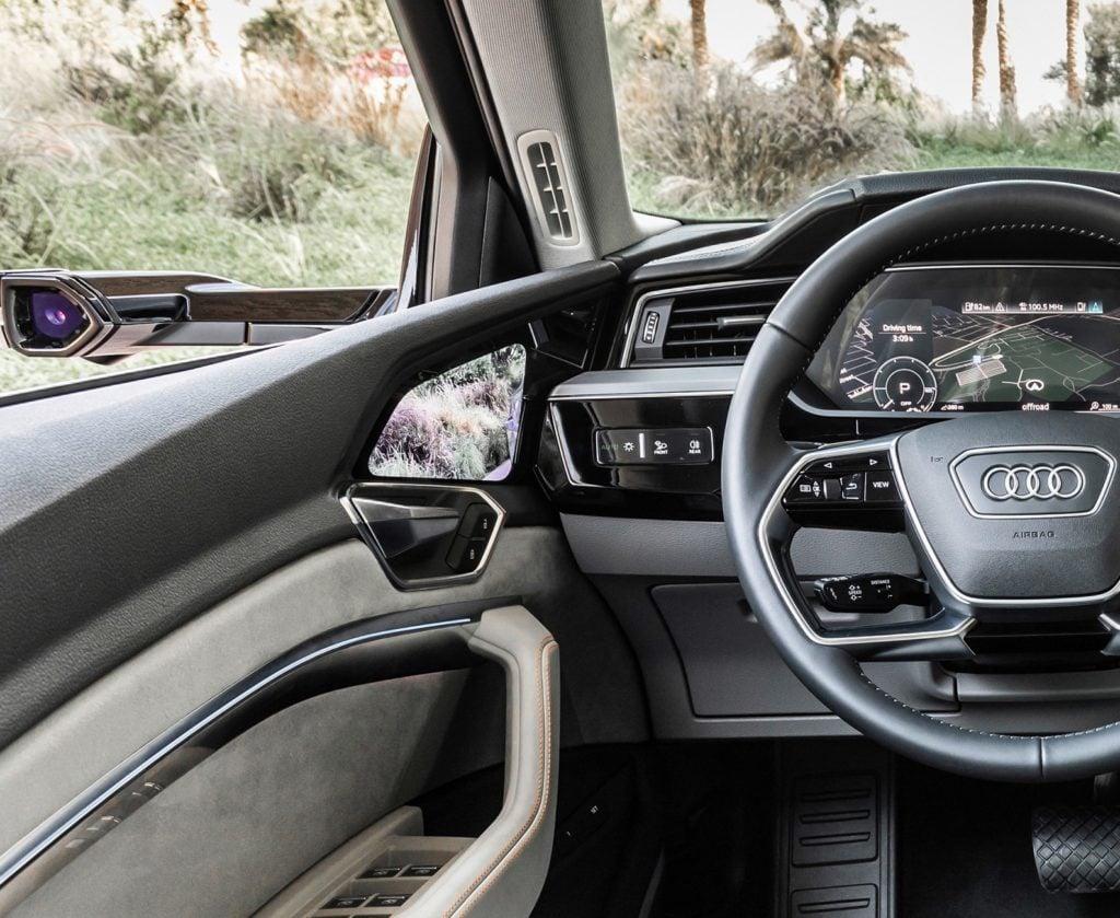 Câmera-retrovisor virtual do Audi e-tron é eleita a Inovação Tecnológica do Ano